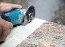 Как резать гранитную плитку и слэбы из камня